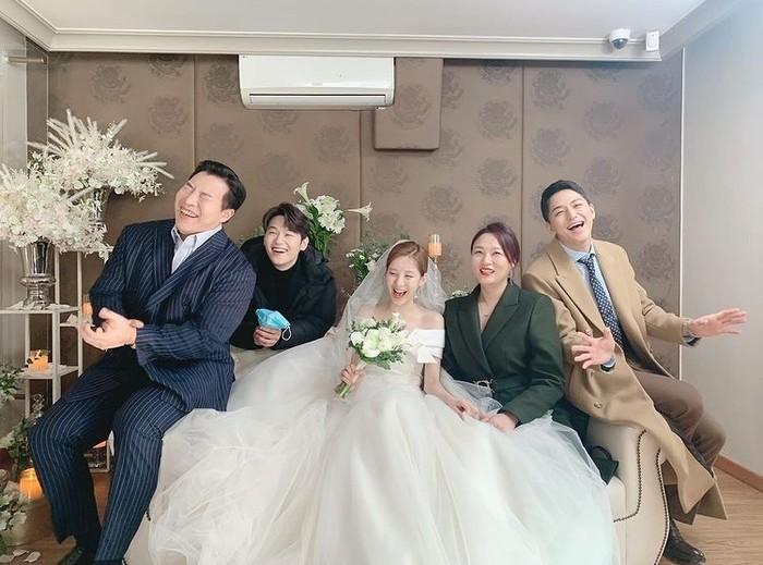 Selain penyayi, Seohyun juga seorang aktris. Beberapa drama yang pernah ia bintangi di antaranya Moon Lovers: Scarlet Heart Ryeo (2016), Time (2018), dan Private Lives (2020)/Foto: instagram.com/seojuhyun