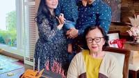 <p>Hal itu bermula ketika Ahok dan Puput mengunggah potret terbaru di laman Instagram. Mereka tengah merayakan ulang tahun Ahok yang ke-55 tahun. Dalam potret itu, Puput tampak memiliki <em>baby bump</em> yang sudah besar. (Foto: Instagram: @btpnd)</p>