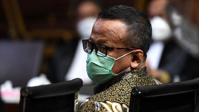 Mantan Menteri KKP Edhy Prabowo divonis 5 tahun penjara dan denda Rp400 juta. Edhy juga diminta membayar uang pengganti Rp9,6 miliar dan US$77 ribu.