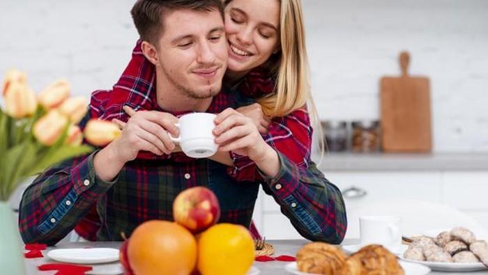 5 Ide Kencan di Rumah Bersama Pasangan Saat Pandemi, Seru dan Romantis!
