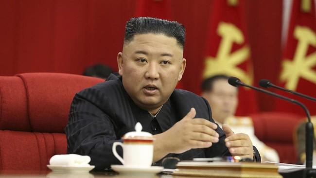 Perban di Belakang Kepala Kim Jong-un Jadi Teka-teki