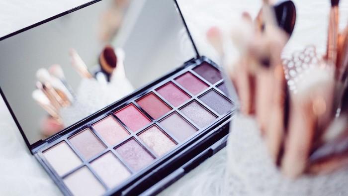 Do's and Don'ts Saat Mengaplikasikan Make Up