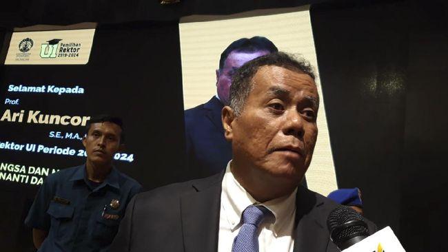 Rektor Universitas Indonesia (UI) Ari Kuncoro diduga melanggar aturan rangkap jabatan karena selain menjabat rektor juga duduk sebagai komisaris BUMN.