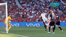 Euro 2020 yang Gegap Gempita, Liga 1 yang Kembali Ditunda