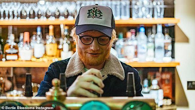 Dikira Langgar Prokes, Ed Sheeran Ditelepon Petugas Saat ...
