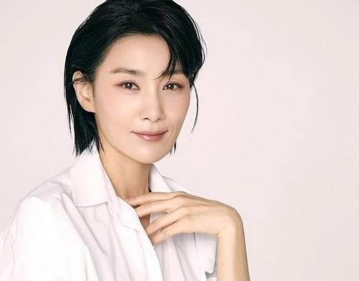 Kim Seo Hyung mengawali karier di dunia hiburan sebagai seorang kontestan dalam ajang kecantikan Miss Gangwon pada tahun 1992. Dalam ajang tersebut, ia terpilih sebagai pemenang kategori Miss Samsung / foto: instagram.com/kim_seohyung