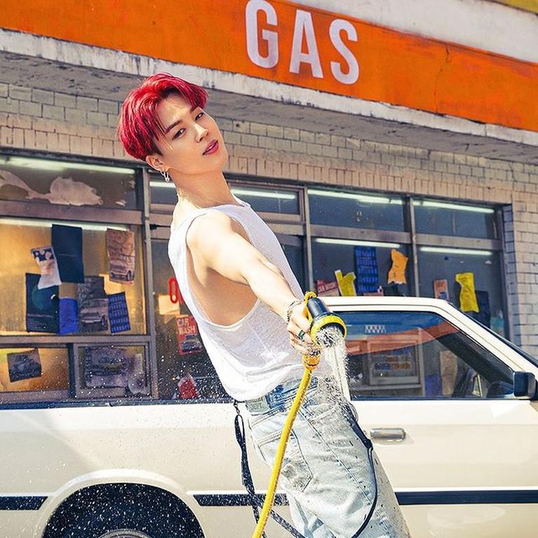Para member BTS melakukan photoshoot dengan konsep terbaru yang unik. Yuk kita intip potret mereka!