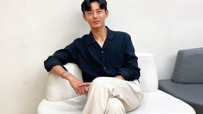 Alami Cedera, Aktor Lee Ji Hoon Akan Jalani Operasi Hidung