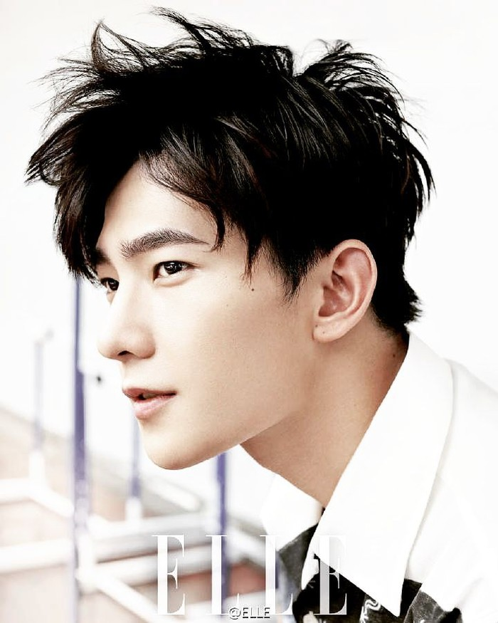 Sosok Yang Yang dikenal luas dan memiliki banyak fans di China. Pria yang awalnya mengejar mimpi jadi dancer ini, akhirnya pindah ke dunia akting dan namanya melejit lewat drama Love O2O. Hingga kini, ia telah membintangi lebih dari 20 judul film. (Foto: Elle)