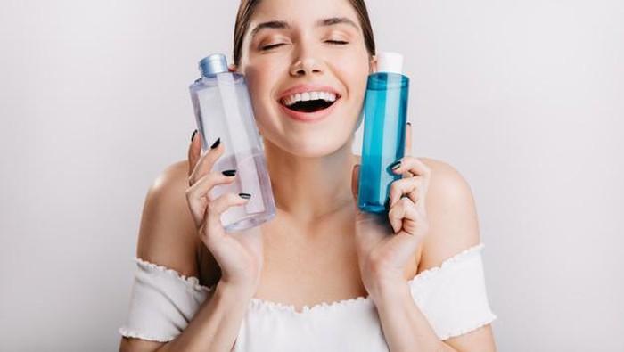Rekomendasi Skincare Multifungsi Essence Toner