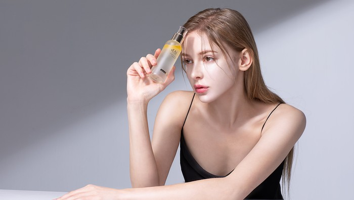 Lagi Viral di Korea, Spray Serum Ini Sekarang Ada di Indonesia!