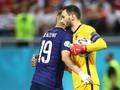 Momen Benzema Bantu Lloris Gagalkan Penalti Swiss