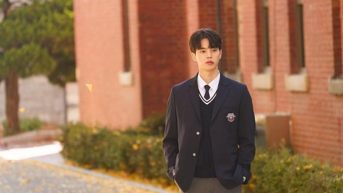 Deretan Drama yang Pernah Dibintangi Song Kang, Termasuk Nevertheless