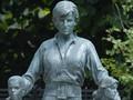 VIDEO: Keindahan Patung Putri Diana di Istana Kensington