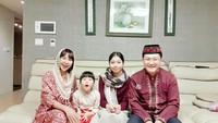 <p>Yannie Kim dan Ko Soobin hidup bahagia di Korea Selatan, Bunda. Mereka tak segan menampilkan potret kekompakan di Instagram. (Foto: Instagram: @yannie_kim79)</p>