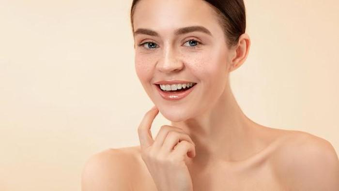 Biar Glowing Maksimal, Ini 5 Cara Layering Skincare yang Benar