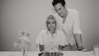 <p>Daniel resmi menikahi Viola Maria pada 2011. Pasangan ini sempat menutupi pernikahan mereka selama bertahun-tahun lho. (Foto: Instagram @lolagin)</p>