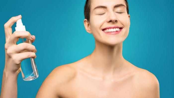 Manfaat Face Mist dan Cara Pakai yang Benar Agar Kulit Terhidrasi