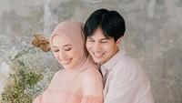 <p>Kebahagiaan sangat terlihat dari pasangan yang menikah pada bulan April 2020 lalu. Ia dan suaminya, Muhammad Najauta tak sabar menantikan buah hati pertama mereka. (Foto: Instagram: @megaiskanti)</p>