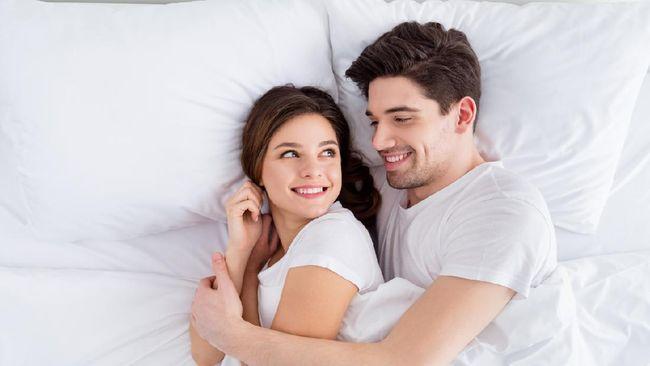Terdapat sejumlah cara berhubungan intim yang tidak mengakibatkan kehamilan tanpa alat kontrasepsi.
