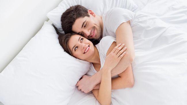 Selain mencegah kehamilan yang tidak direncanakan, terdapat sejumlah manfaat alat kontrasepsi baik untuk keluarga maupun penggunanya.