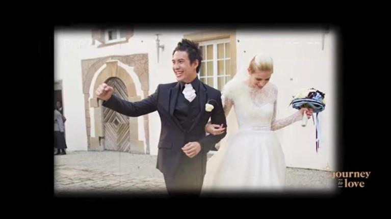 Daniel Mananta mengenang momen pernikahannya dengan Viola di YouTubenya. Yuk kita intip bagaimana potret pernikahan mereka!