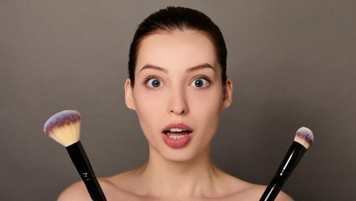 Kelamaan WFH, Jangan Sayang Simpan Makeup yang Sudah Kedaluwarsa! Ini Bahaya yang Mengintai