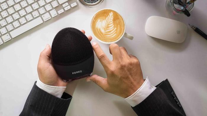LUNA 3 MEN, Device untuk Bersihkan Wajah Pria dan Buat Waktu Cukur Lebih Singkat