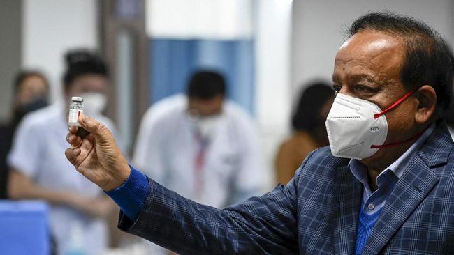 Sebanyak 12 menteri India dilaporkan mengundurkan diri massal pada Rabu (7/7), termasuk menteri kesehatan, yang menjadi sorotan di tengah pandemi Covid-19.