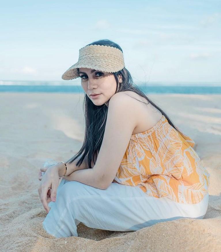 Momo Geisha tampak membagikan momen liburan mewahnya ke Bali baru-baru ini. Yuk kita intip!