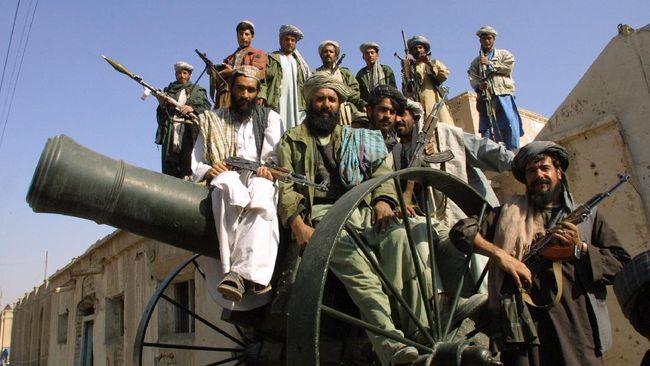 Seorang juru bicara Taliban, Zabihullah Mujahid, mengklaim kelompoknya telah menguasai 90 persen perbatasan Afghanistan.
