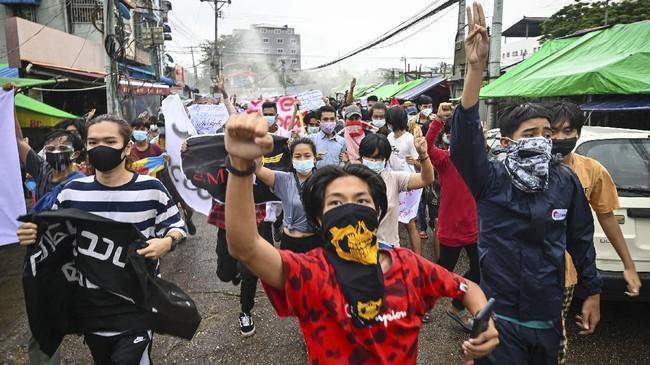 Aktivis Myanmar Kritis Usai Ditangkap Junta Myanmar