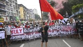 FOTO: Myanmar Mengorek Luka 59 Tahun Junta Perdana