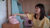 <p>Rumah-rumahan anak Shandy banyak dilengkapi mainan yang terbuat dari kayu, Bunda. Wanita 34 tahun ini memang sengaja mengurangi penggunaan mainan plastik untuk anaknya. (Foto: YouTube Shandy Aulia)</p>