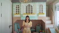 <p>Shandy Aulia membagun rumah kecil untuk anaknya di dalam kamar. Rumah ini berisi banyak permainan untuk menunjang pertumbuhan buah hatinya, Claire. (Foto: YouTube Shandy Aulia)</p>