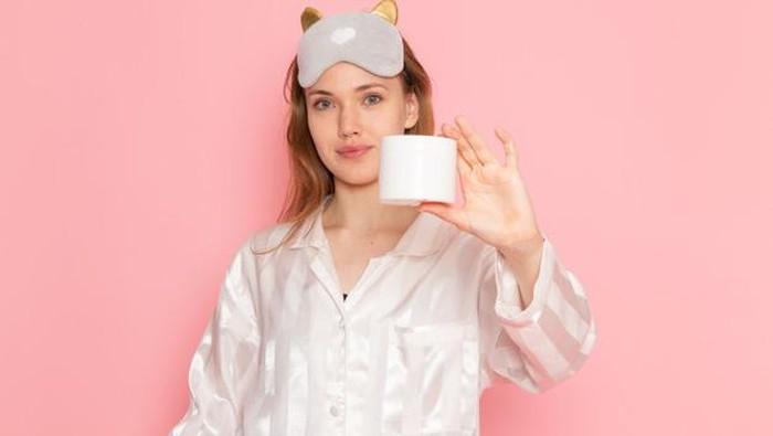 Cara Memilih Sleeping Mask yang Sesuai dengan Jenis dan Kondisi Kulit
