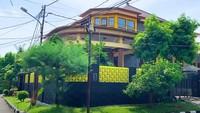<p>Sebelum menikah dengan Andhika Pratam, Ussy Sulistiawaty sempat membangun rumah di Lebak Bulus. (Foto: YouTube Ussy Andhika)</p>