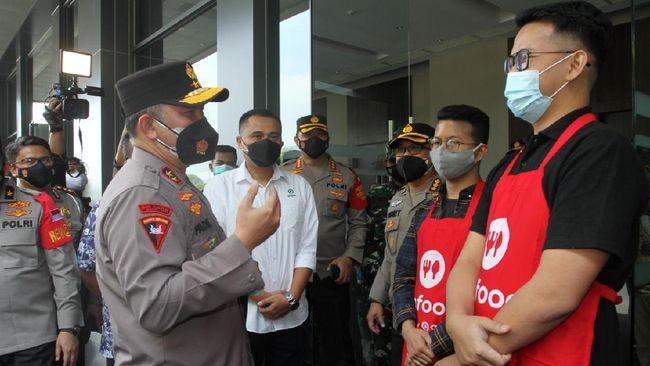Gojek melalui salah satu layanannya, GoTix, bekerja sama dengan Polda Metro Jaya membuka Sentra Vaksinasi Covid-19 bagi masyarakat umum dan pelaku UMKM.