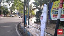 3 Pemuda Curi Boneka Pocong 'Prokes' untuk Lelucon di Medsos