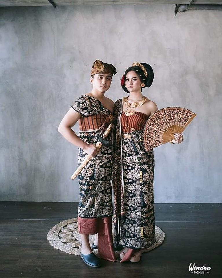 Lutfi Agizal dan Nadya Indry telah melakukan pemotretan untuk prewedding mereka. Yuk kita intip potret mereka!