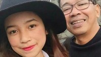 <p>Terakhir, komedian Jarwo Kuat. Putrinya yang bernama Putri Anjani Jarwo itu cantik dan kini menjadi selebgram, Bunda. (Foto: Instagram @putrianjani.ofc)</p>