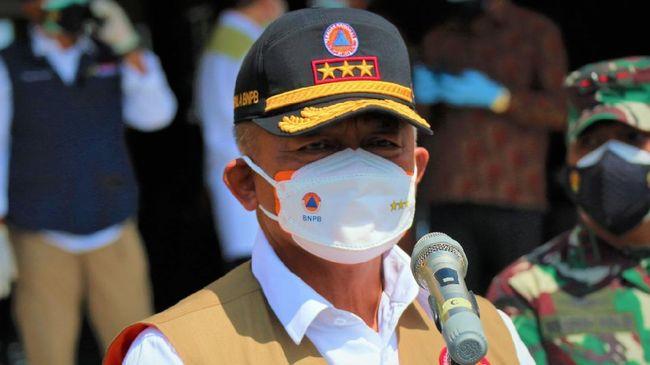Ketua Satgas Penanganan Covid-19 Ganip Warsito mengimbau masyarakat untuk mengajak serta anggota keluarganya ikut vaksinasi.