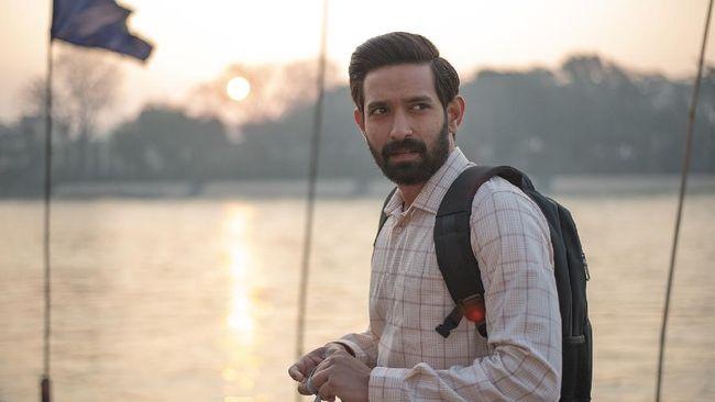 Review Haseen Dillruba menyebut film ini terlepas dari cerita penuh dramatisasi, adalah hiburan yang menyenangkan.