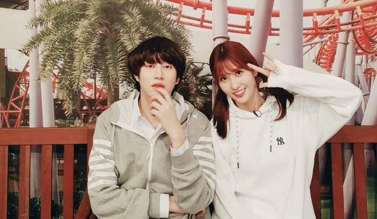 Kandasnya hubungan Momo TWICE dan Heechul Super Junior dibenarkan oleh agensi masing-masing. Yuk intip kembali momen mereka!