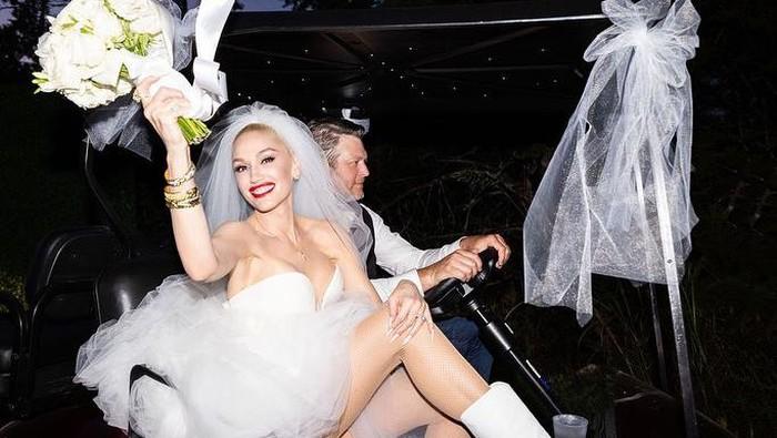 Intip Detail Gaun Pernikahan Gwen Stefani