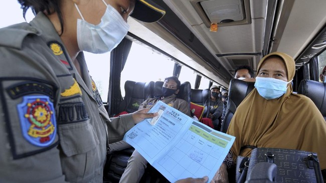10 Bus Pariwisata Dihalau Masuk DIY, Penumpang Belum Divaksin