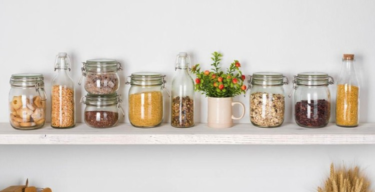 Biar semakin semangat masaknya, yuk buat dapur outdoor di rumah minimalis. Berikut tips membuat dapur outdoor agar tak bosan masak selama PPKM.