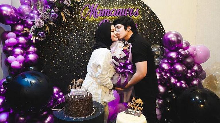 Aurel Hermansyah baru saja merayakan ulang tahunnya yang ke 23. Aurel dapat kejutan dari sang suami Atta. Yuk intip momennya!