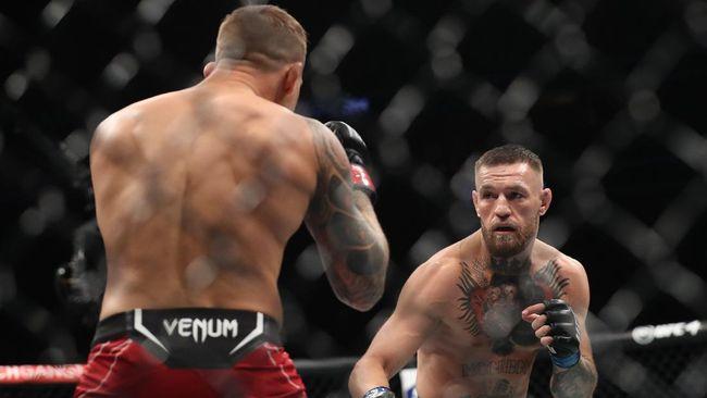 Legenda UFC Daniel Cormier mengaku heran melihat Conor McGregor masih digemari banyak orang.