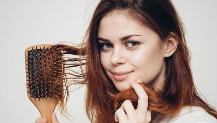 4 Manfaat dan Rekomendasi Hair Tonic untuk Kesehatan Rambut